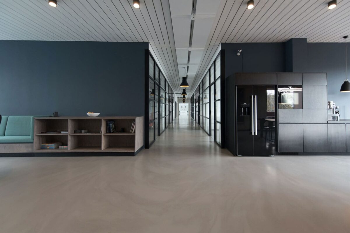 Managing the Operation of Air Conditioning Systems in Unoccupied Commercial Buildings